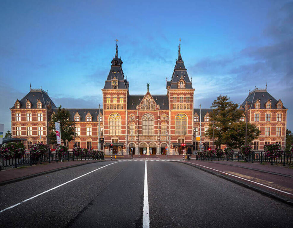 Rijksmuseum (1h15min drive)