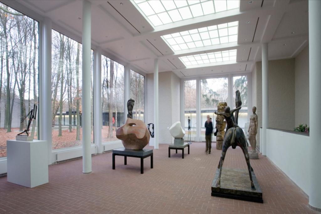 Kröller Müller Museum (30 min drive)