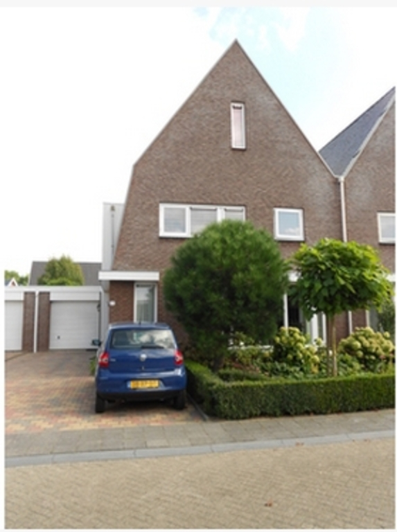 Our house is in a quiet residential area in Barneveld.