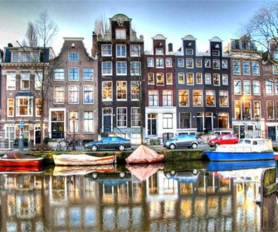 Amsterdam (35 km)