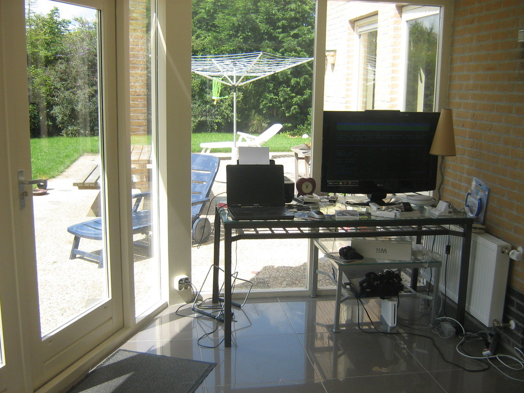 Our wintergarden with flatscreetv / Playstation 3. View on the terrace.