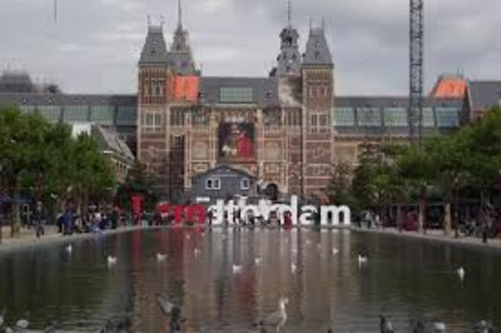 Amsterdam, op 1 uur afstand