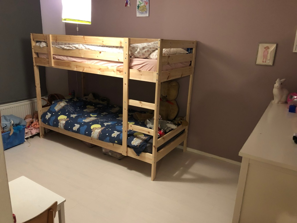 Kids sleeping room