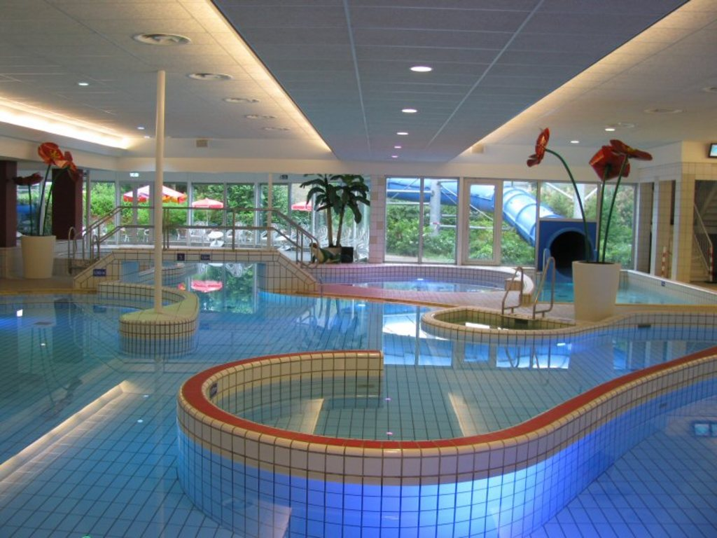Simming pool 't Kikkerfort Breukelen 10 min drive
