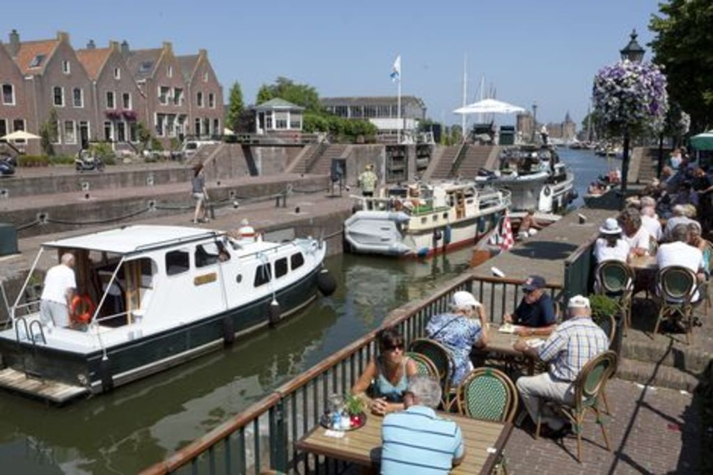 Muiden, 10 mins from our home