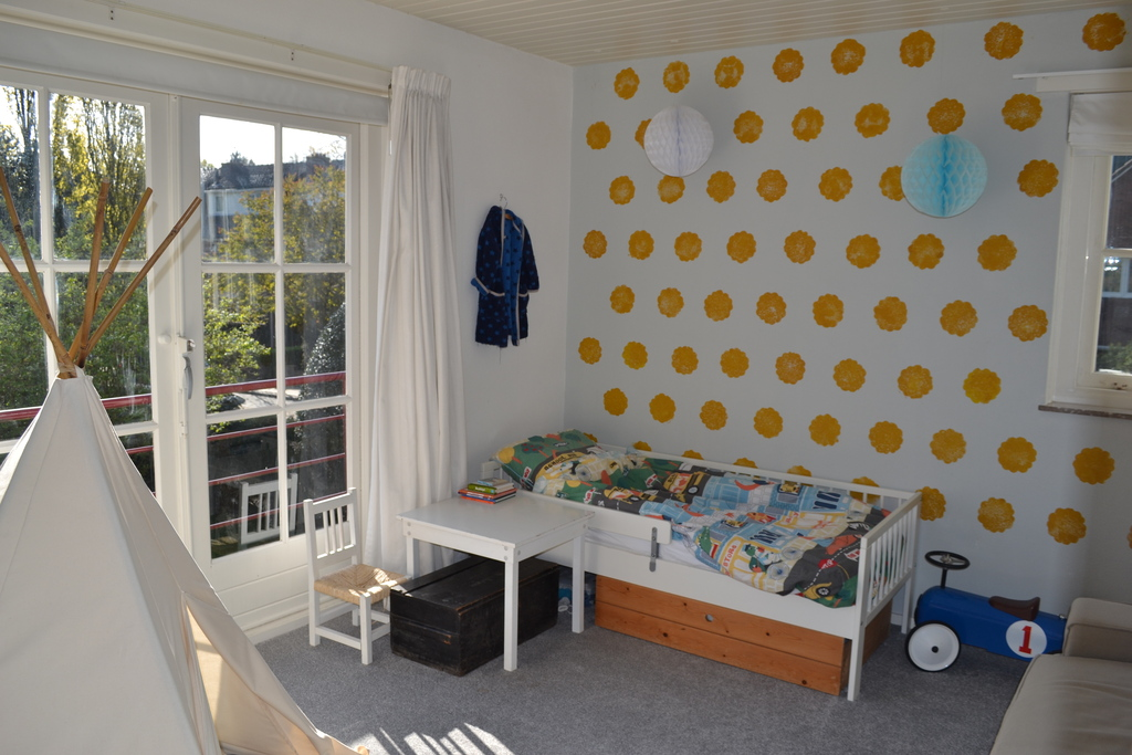 Bedroom 2: toddler size bed and sleeping couch.