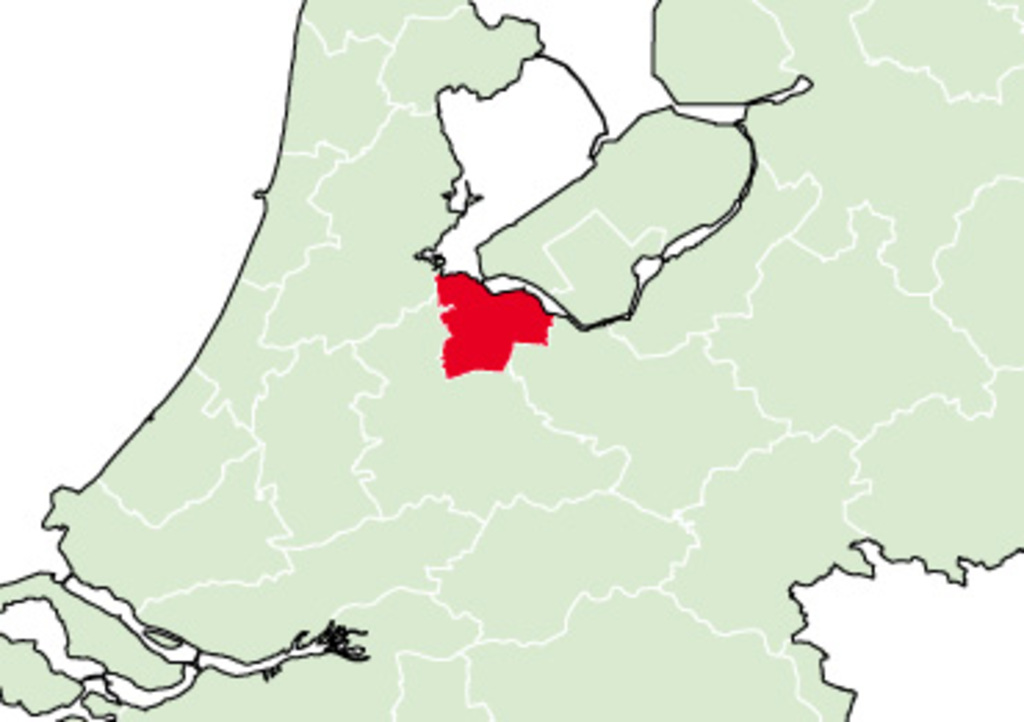 Bussum is in the middle of Holland, 25 mins from Amsterdam & Utrecht. Bussum has 30.000 inhabitants and is a very green village.