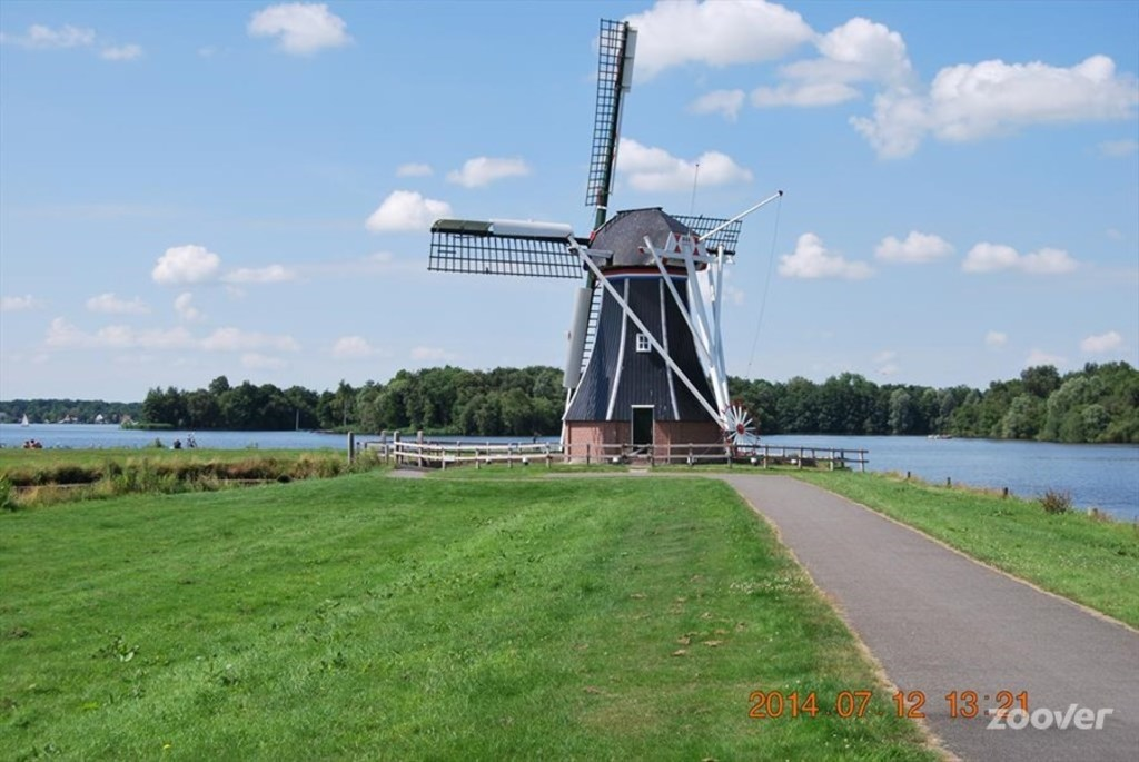 The mill by Paterswoldse meer.
