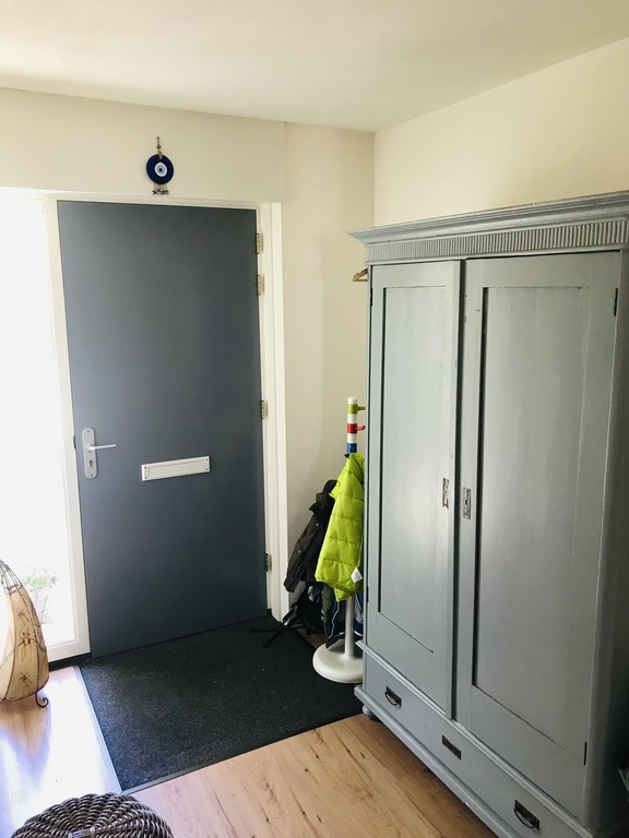 Entrance & passage way also including toilet