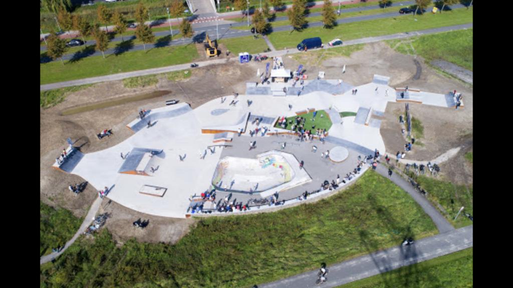 Skatepark Headvillage 5 minute ride away