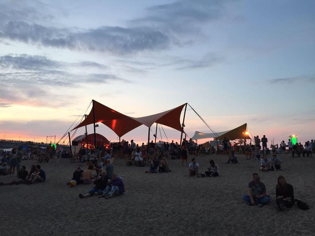 Beach festivities at Waalstrand