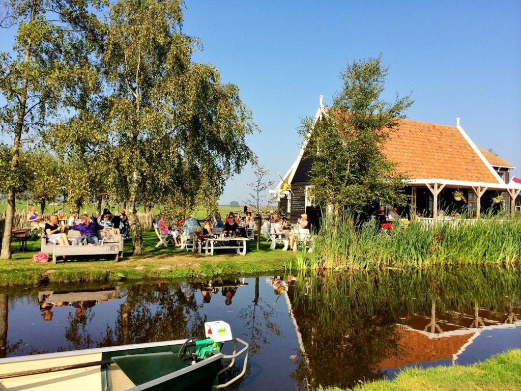 Tea garden Overleek. You can rent boats here. 5 km from our house.