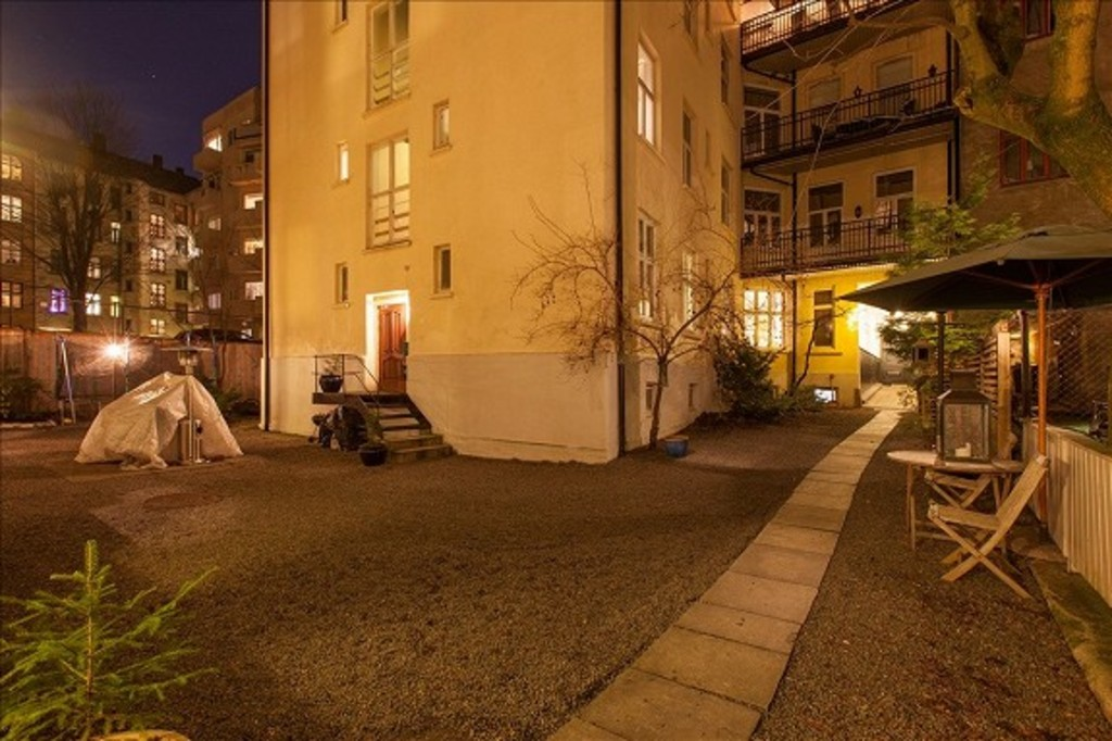 The inner courtyard in the evening.
