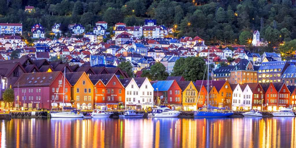 The warf of Bergen is on the Unesco world heritage list. 15 minutes from our house.