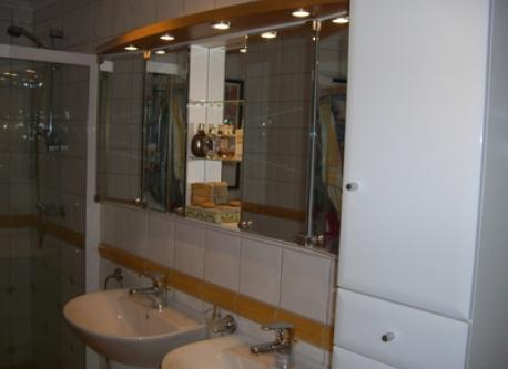 Bathroom belonging to master bedroom, Lier