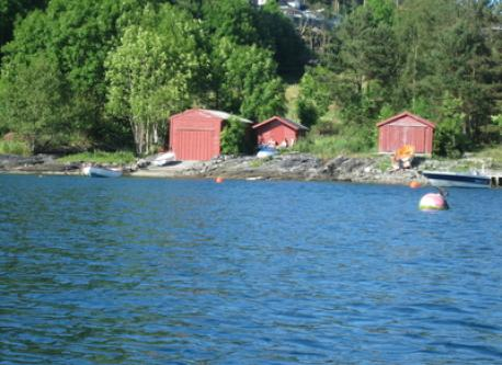 Our boat house (to the right), is approx. 400 m from the house.