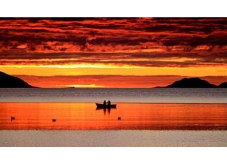 Midnight sun over Kattfjord (just outside Tromsø)