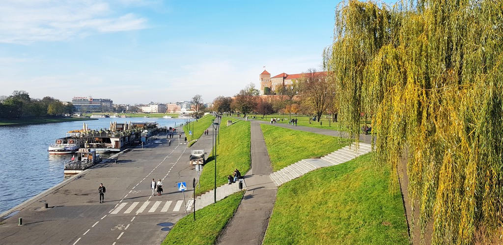 Walking, cycling or taking a boat cruise along the Vistula River