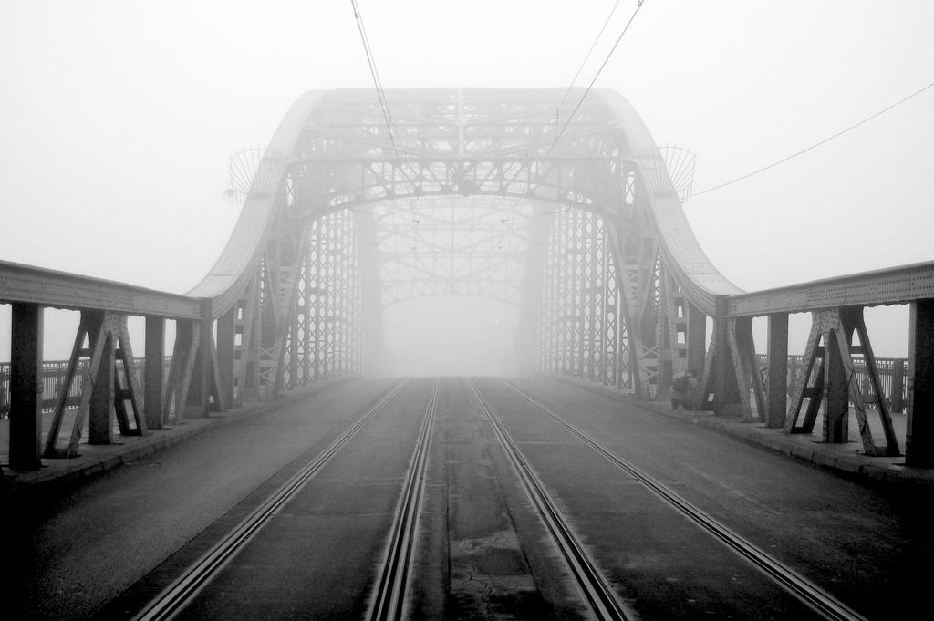 Kraków - Bridge of Piłsudski (photo: Tomasz Wysopal)