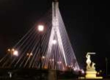 Swietokrzyski-Bridge at night