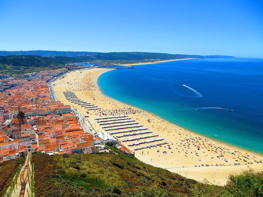 Nazaré (plage .:. beach) (45 km)