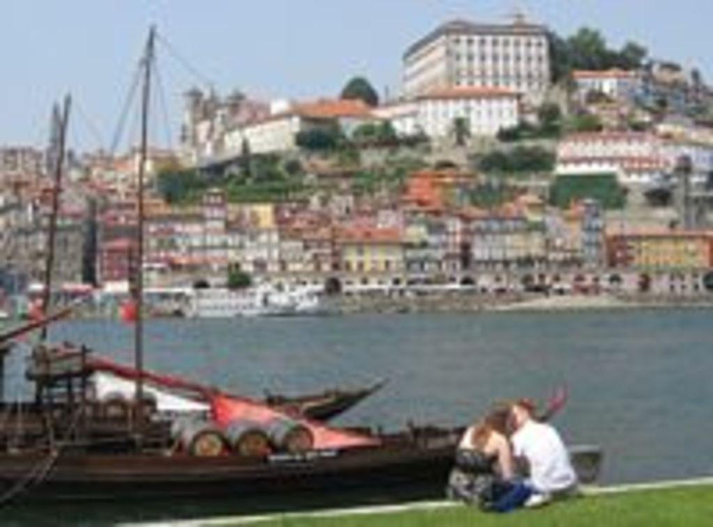 Porto (75 km)