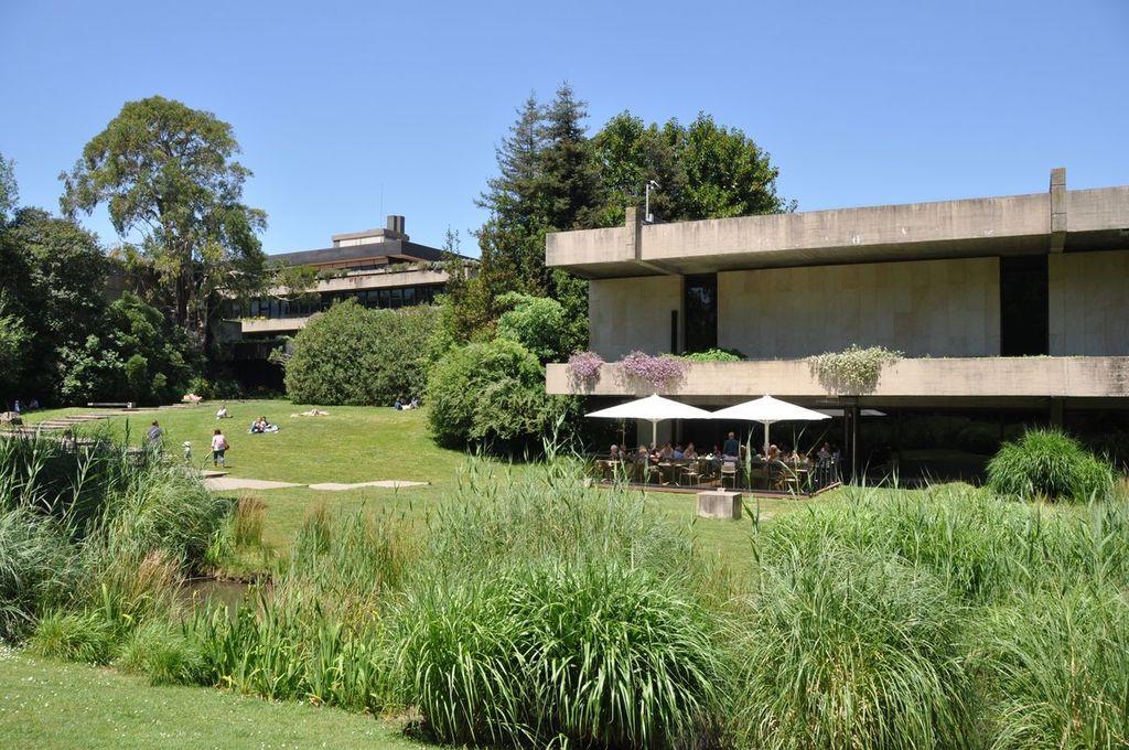 Gulbenkian public garden