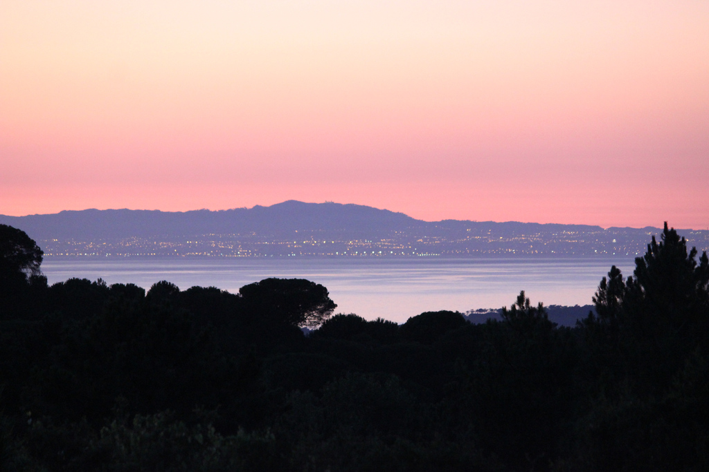 Die Küste von Lissabon  und das Sintragebirge von der Quinta aus-The Lisbon coast and the Sintra mountains  seen from the quinta