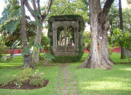 """""""Museu Quinta das Cruzes"""" - garden area"""