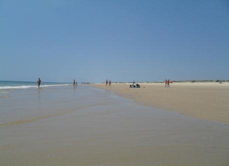 Vila Real Santo António beach - 2 km (in Summer)