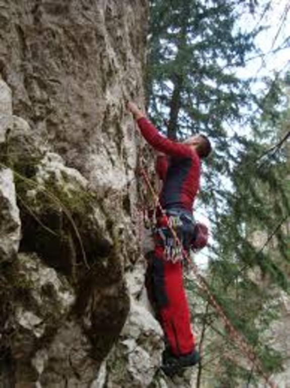 Climbing in Zarnesti Gorges, 3 km