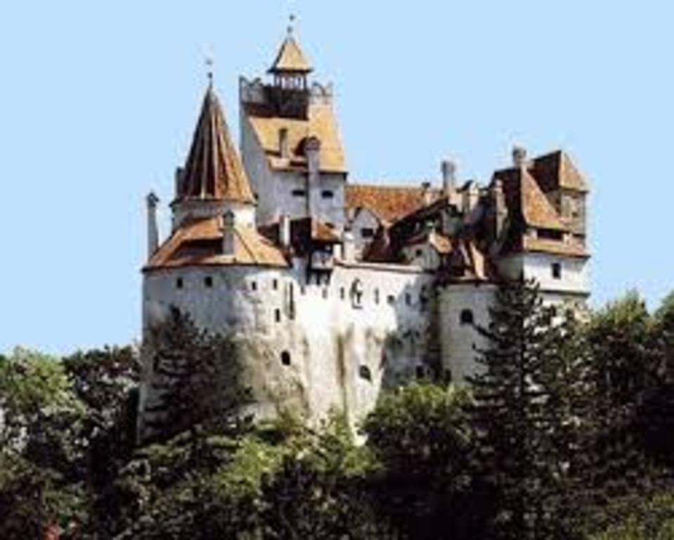 Bran Castle, 5 km