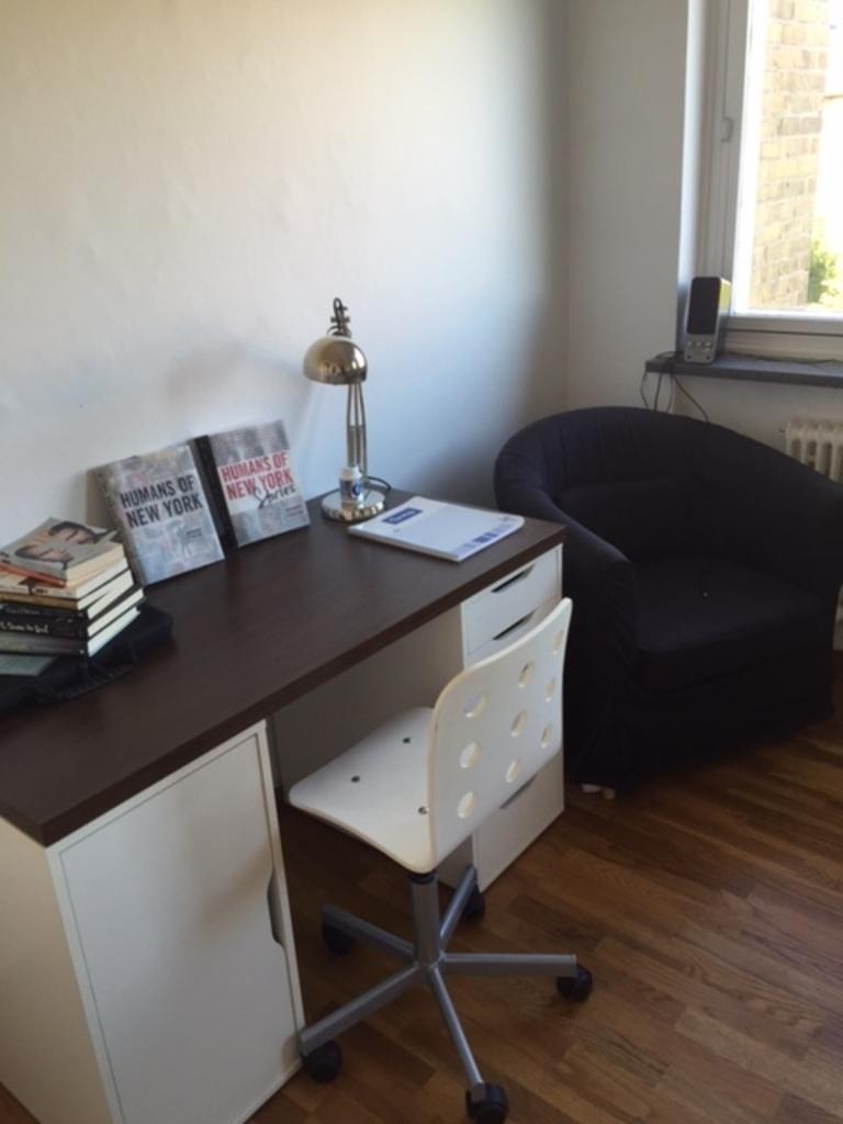 Desk in one of the bedrooms on top floor
