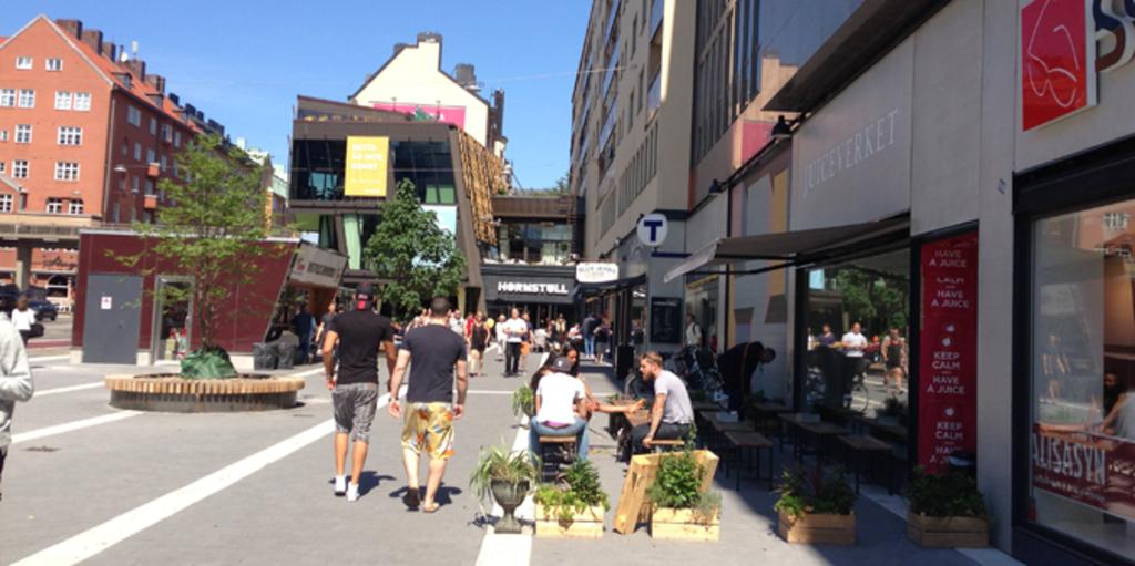 The neigborhood - restaurants and shopping mall