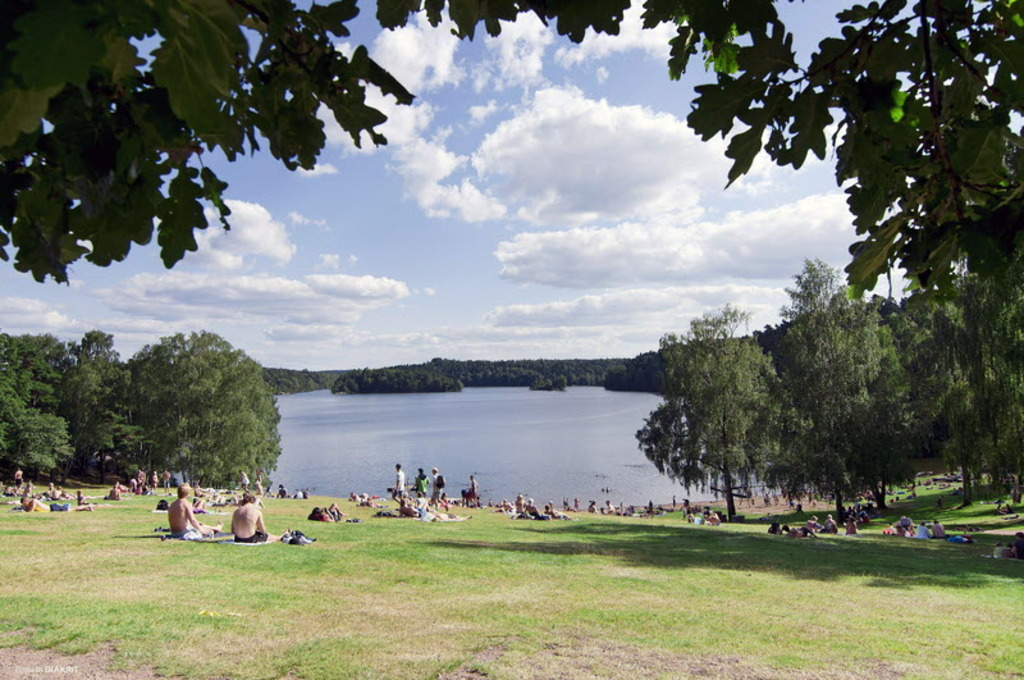 The beach at Stora Delsjön.