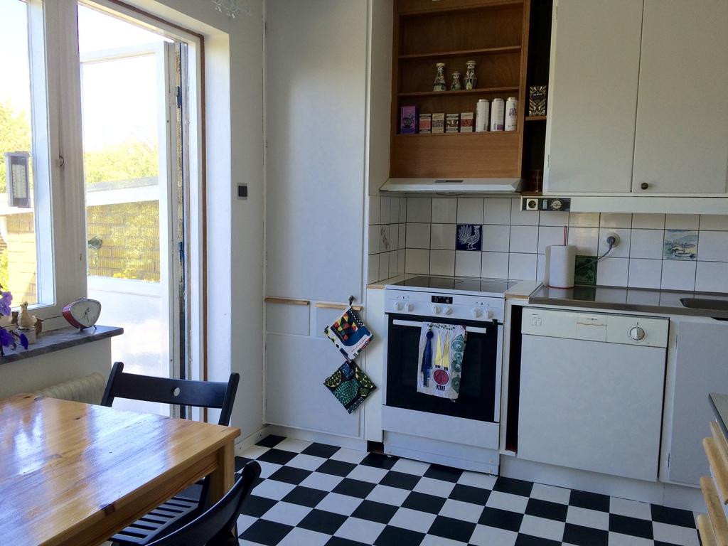 Kitchen, with door to the garden.