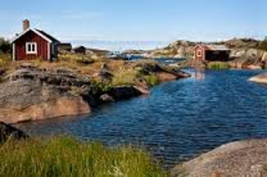 "Visit ""skärgården"" / the archipelago by boat from Stockholm"