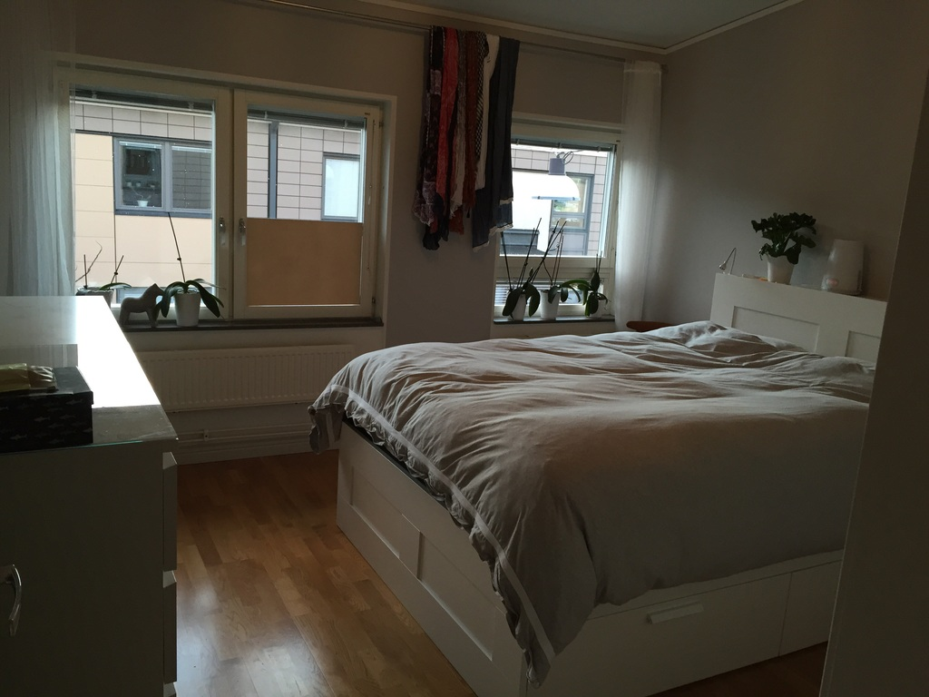 Upstairs bedroom with a double (Tempur) bed