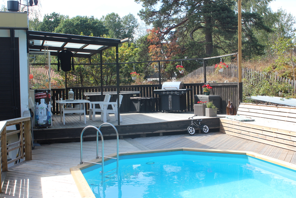 Pool and social area with barbeque