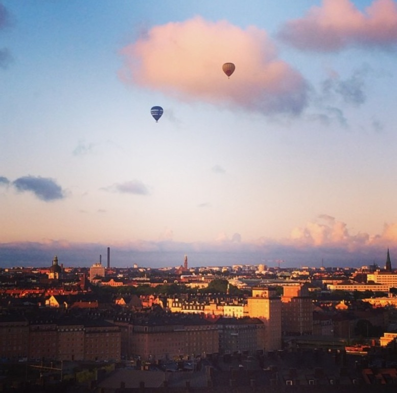 The view from balcony with baloons, a common sight in Stockholm in spring/summer/autumn