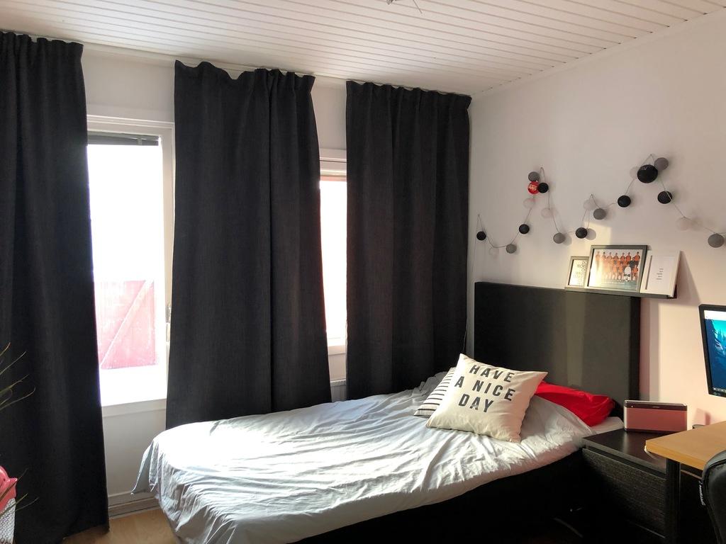 House no 2, bedroom