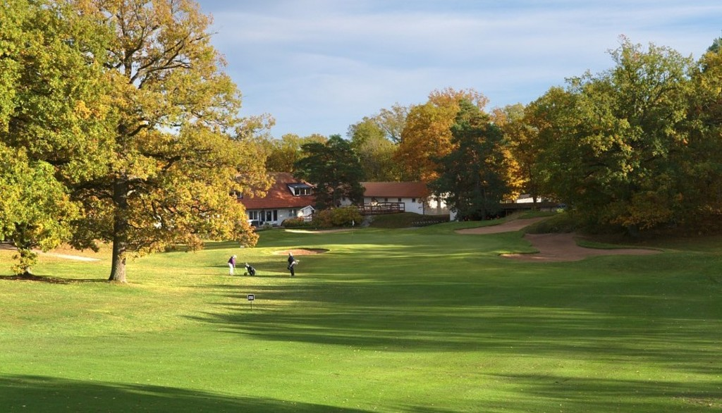 Djursholms Golf Club - 5 mins away