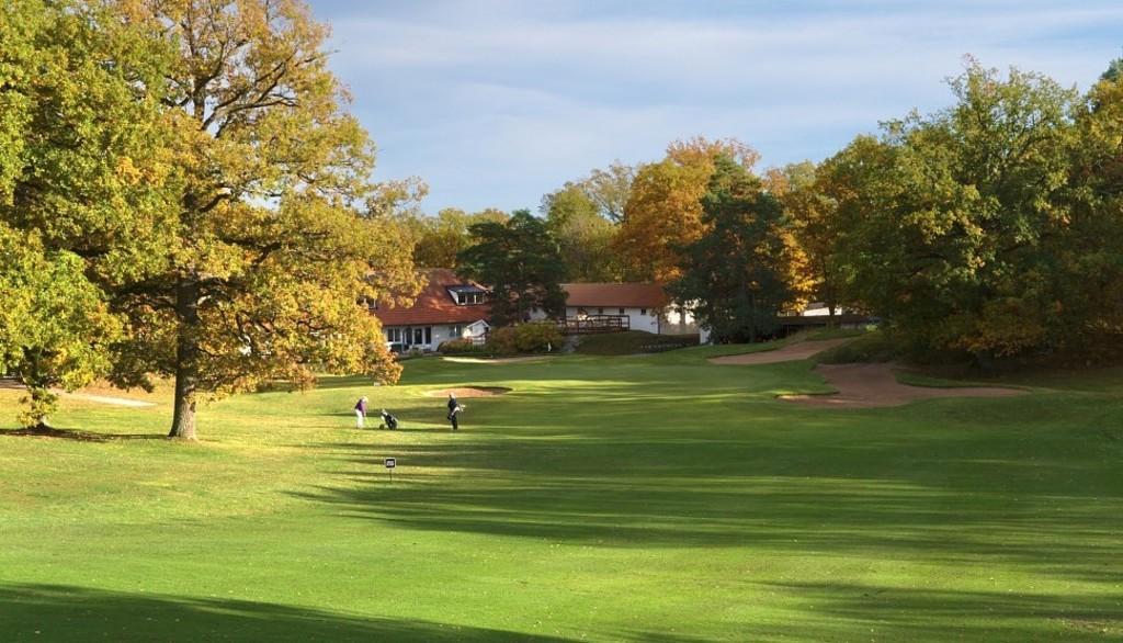 Djursholms Golf Club - 5 mins away