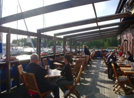 Bullandö Marina with popular restaurant