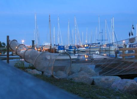 The cosy harbour of Gislövs Läge is only 1200 metres away.