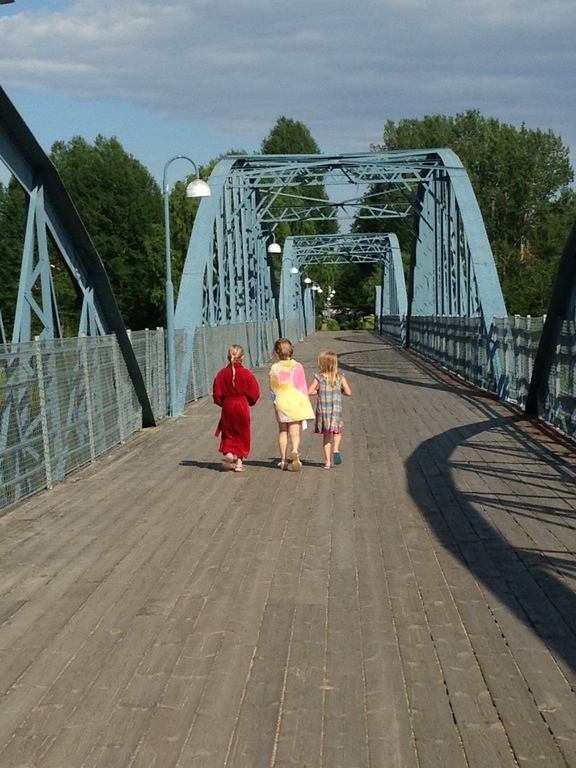 Walking bridge over river Ljusnan: our walk to our favourite spot for swimming