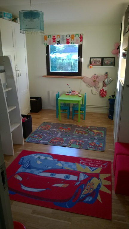 Kids bedroom with bunkbed