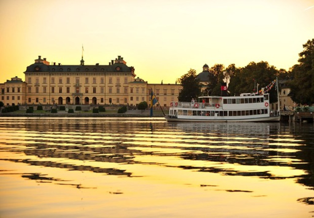 Boat to Drottningholm Castle, home of the Royal family, stops at our island