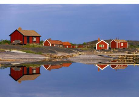 You can either visit the archipelago for just a day, or stay overnight in a cabin, B&B or hotel.