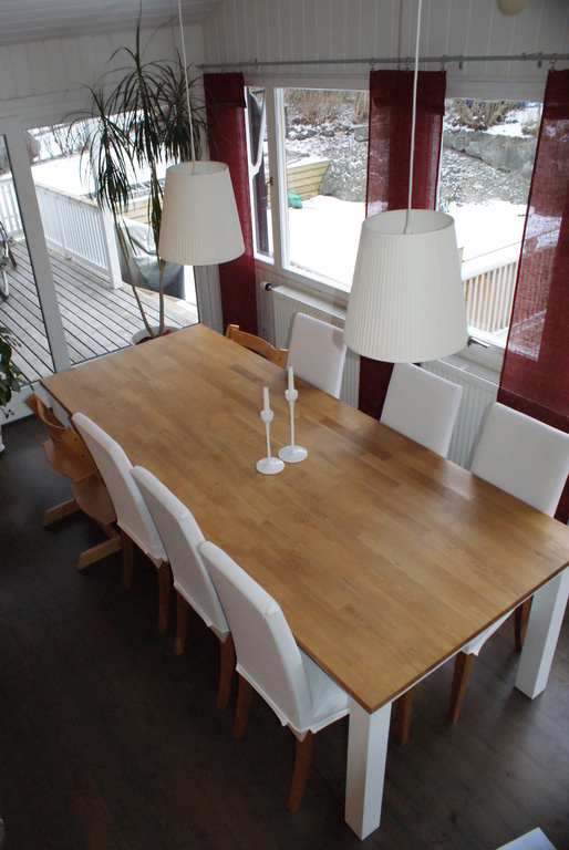 Dining room with glass doors to the terrace